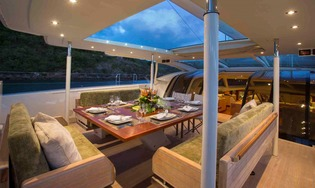 Deck Dining Bimini Open